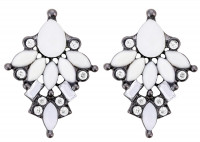Stud Earrings - Snow White