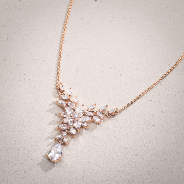 Collana - Floral Perfection