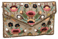 Tas - Embroidered Beauty